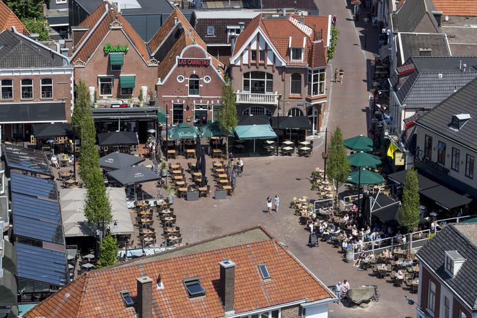 Luchtfoto van de Groote markt in Oldenzaal.