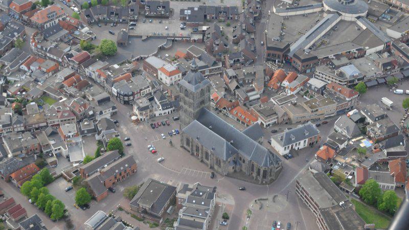 Het centrum van Oldenzaal vanuit de lucht.
