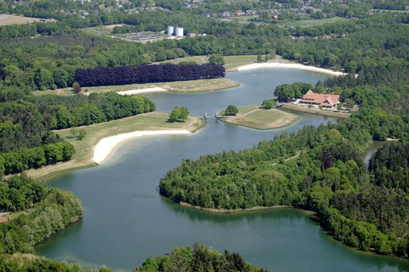 Luchtfoto van een natuurgebied bij Oldenzaal.