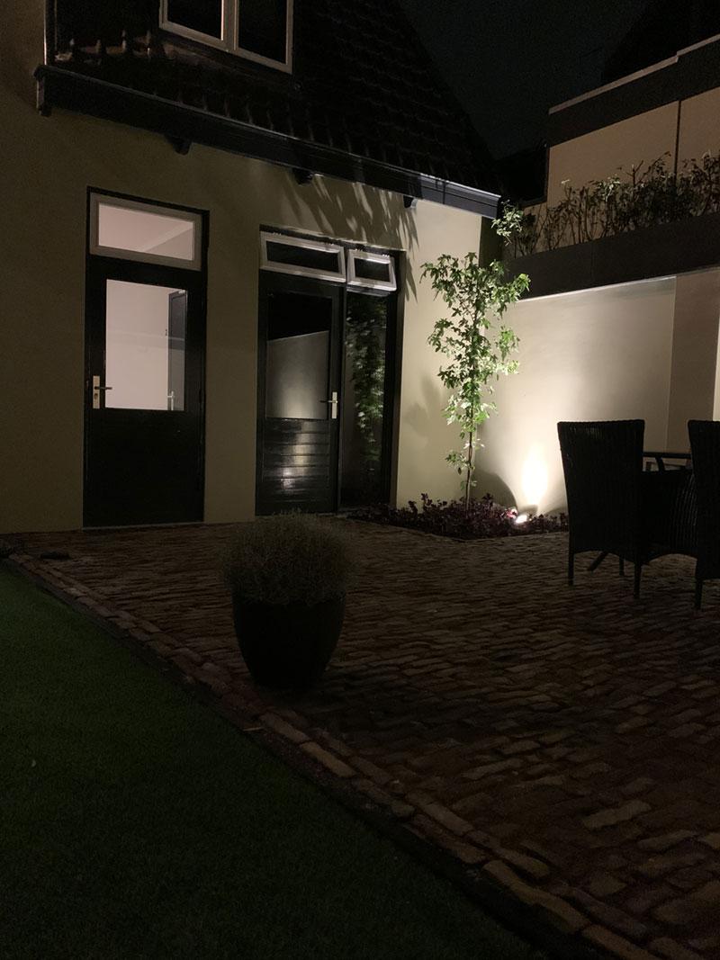De tuin van de groepsaccommodatie in Oldenzaal.